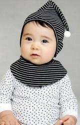 เซ็ตหมวกผ้ายืดลายขวางยอดแหลมพร้อมผ้ากันเปื้อนโค้ง